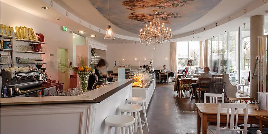 Der Innenbereich im Restaurant Café Helene bietet eine besondere Kulisse
