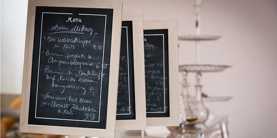 Die vielfältigen Tageskarten bieten für jeden Gast das richtige Gericht