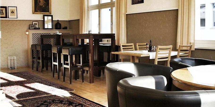 Für Hochzeiten und Feiern stehen Ihnen im Vorarlberger Hof passende Räumlichkeiten von 10 bis 100 Personen zur Verfügung