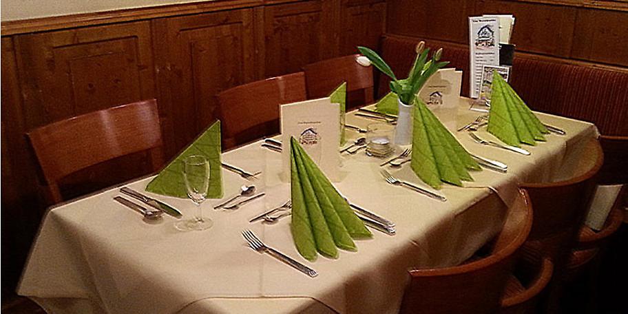 Das Hexenhäuschen ist ein rustikales Restaurant im mediterranen Stil