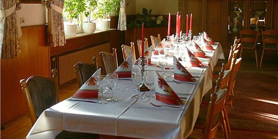 Gönnen Sie sich einen schönen Abend im Gasthaus Niederländer