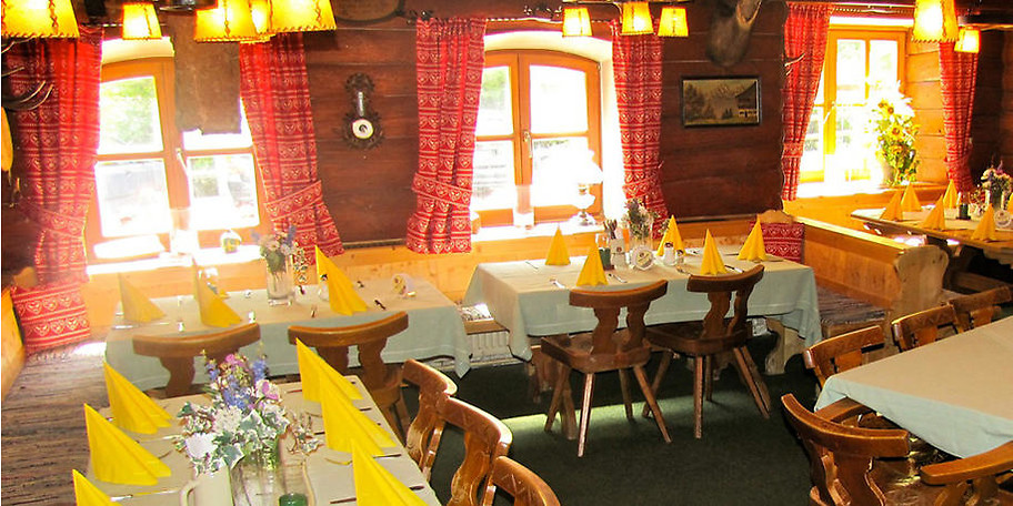 Besuchen Sie den Berggasthof Alte Wurzhütte