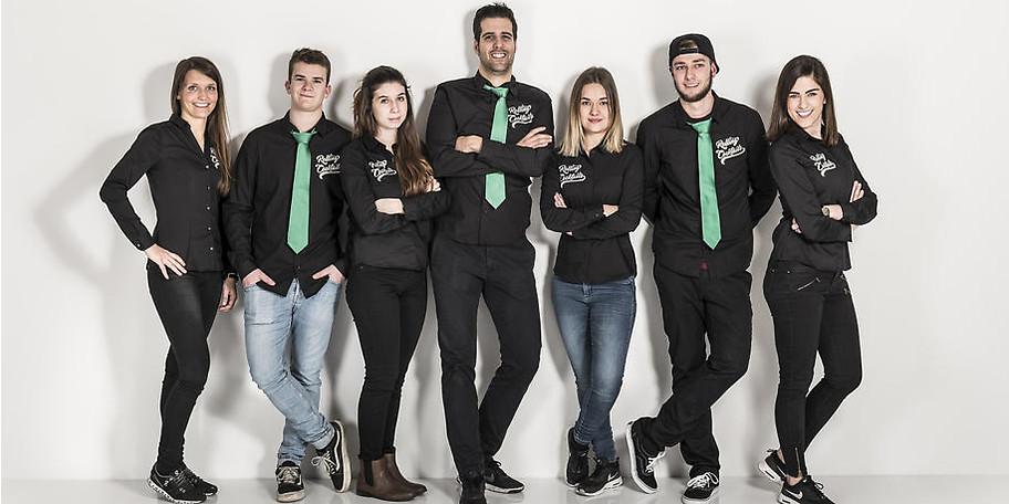 Unser Team ist cool, jung, gutaussehend, motiviert und talentiert!