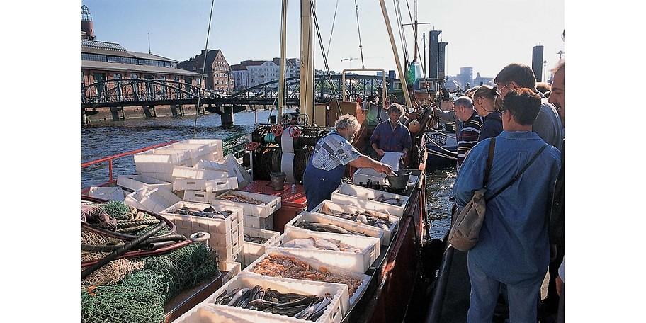 Besuchen Sie die Landungsbrücken und den Fischmarkt - erleben Sie Hamburg St. Pauli hautnah