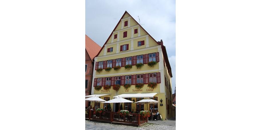 Im historischen Herz von Dinkelsbühl liegt Meiser's Café Restaurant - jetzt Gutschein sichern und sparen