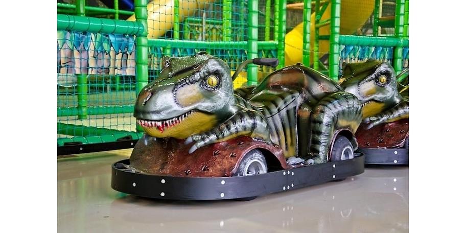 Rasante Dinocarts in Gondi's Dinowelt