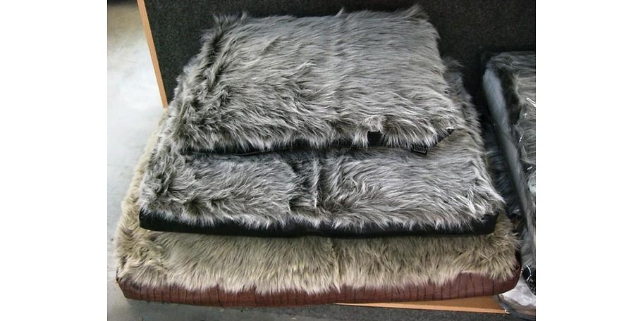 croco wolf hundekissen. Black Bedroom Furniture Sets. Home Design Ideas