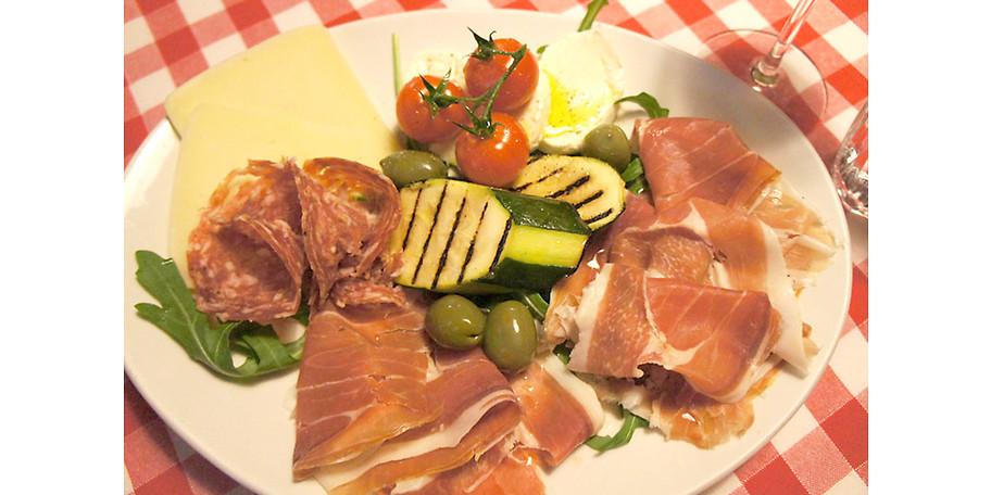 Italienische Antipasti im Eiscafe & Pizzeria Italia in Rothenburg o. d. Tauber
