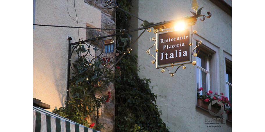 Lassen Sie Ihren Tag im Eiscafe & Pizzeria Rothenburg o. d. Tauber ausklingen