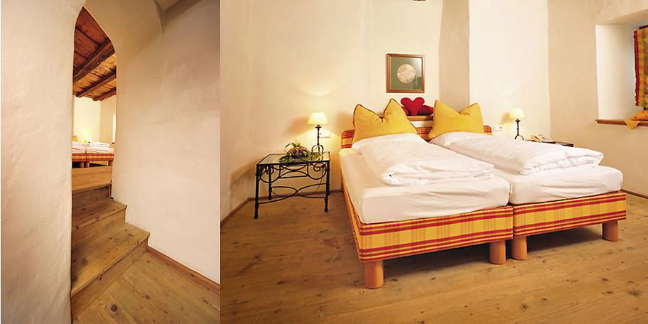 Gemütliches Zimmerbeispiel im Hotel Goldener Engl