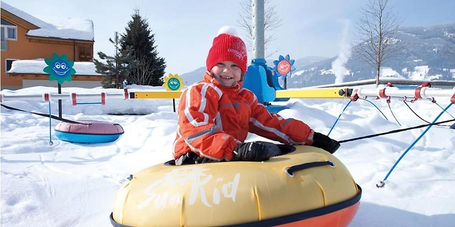 Kinder erleben viel Schneespaß