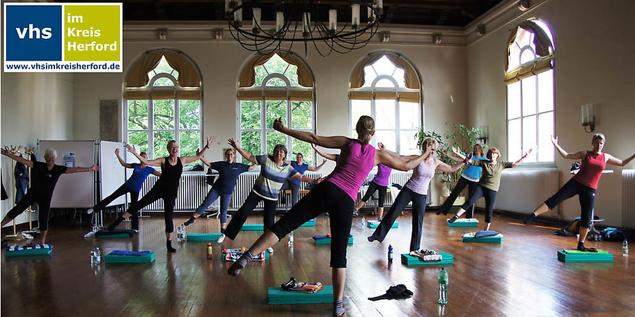 Gymnastik und Bewegung bei der VHS im Kreis Herford
