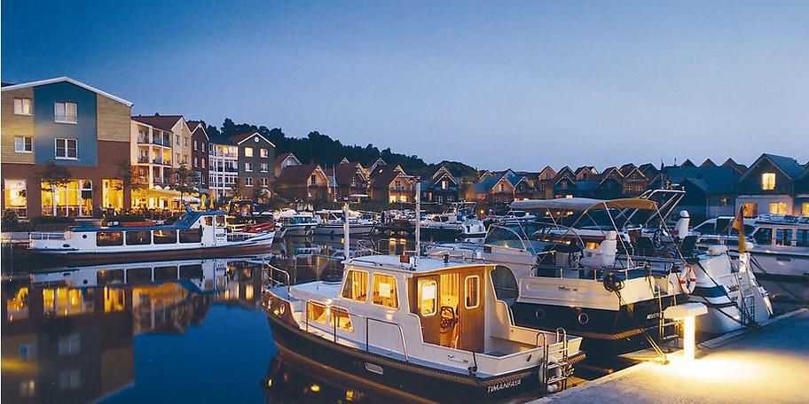 Das Precise Resort in Rheinsberg-Kleinzerlang verfügt über einen eigenen Yachthafen