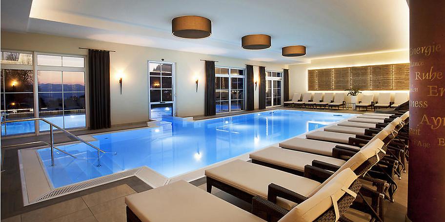 Der Indoor-Pool im Panoramahotel Oberjoch