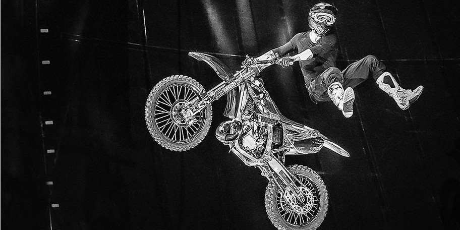 Mad Flying Bikes - Freestyle