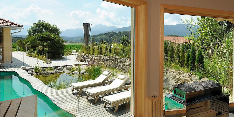 Der Panoramablick aus der Sauna und Ausenbereich