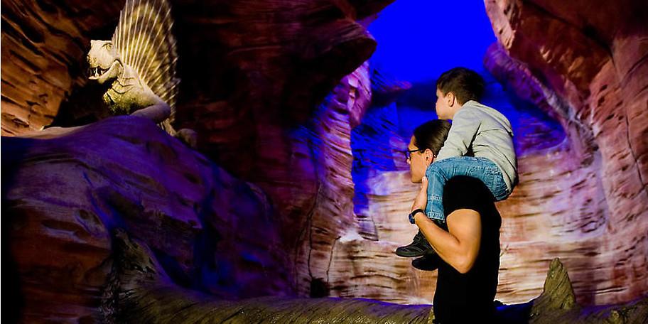 GONDWANA – Das Praehistorium und GONDI'S DINOWELT bieten Spaß für die ganze Familie