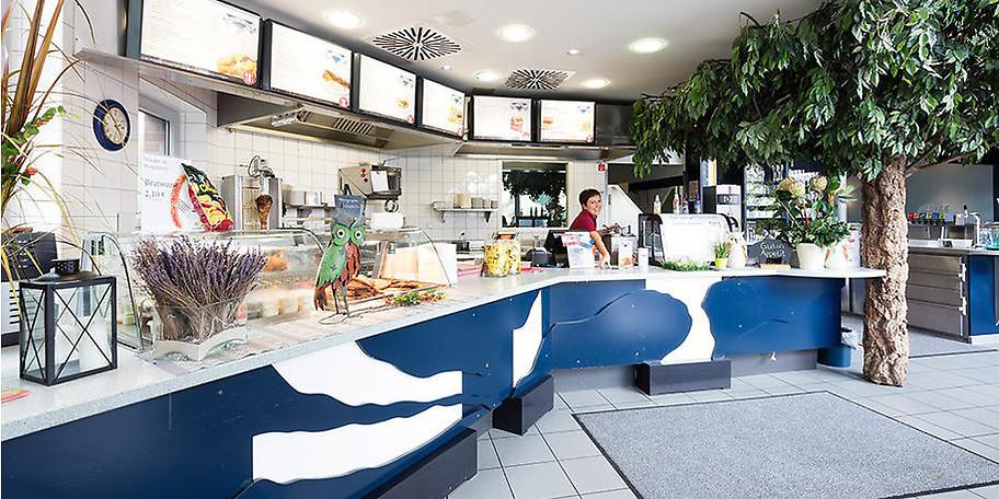 Lassen Sie sich Ihr Essen in der Kotelett-Schmiede Marienstraße schmecken
