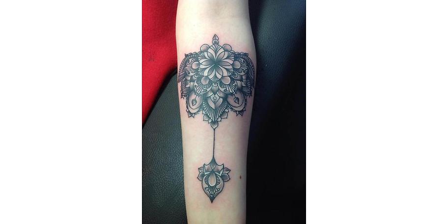 Die Tattoos werden individuell an jeden Kunden angepasst
