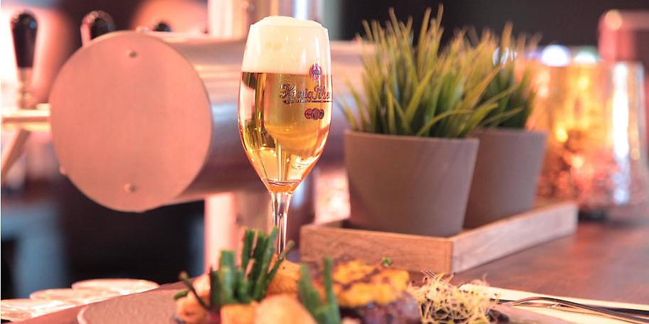Genießen Sie ein kühles, frisches Bier im Franky's im Ruhrkristall