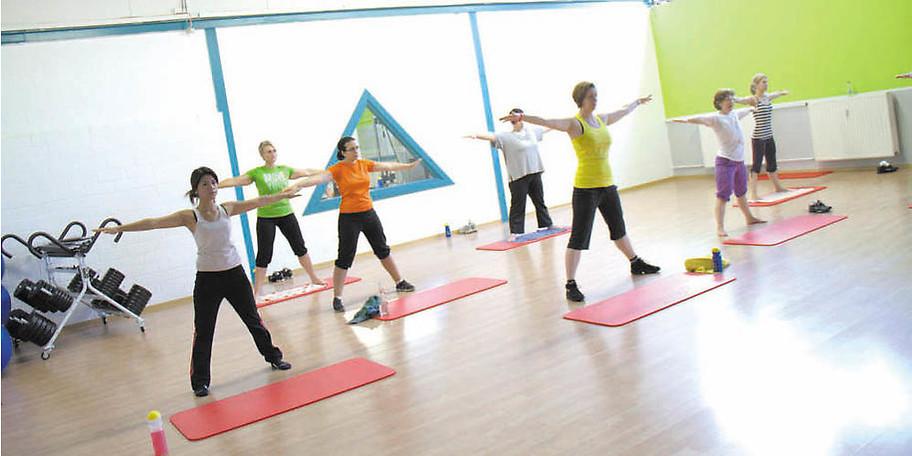 Der Kursplan bei DEKA Sports ist vielseitig und gesund
