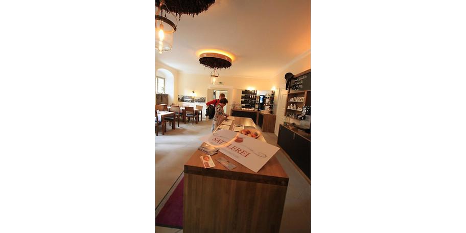 Im Restaurant Sattlerei im Schloss Thurnau verwöhnen wir unsere Gäste mit regionalen Spezialitäten
