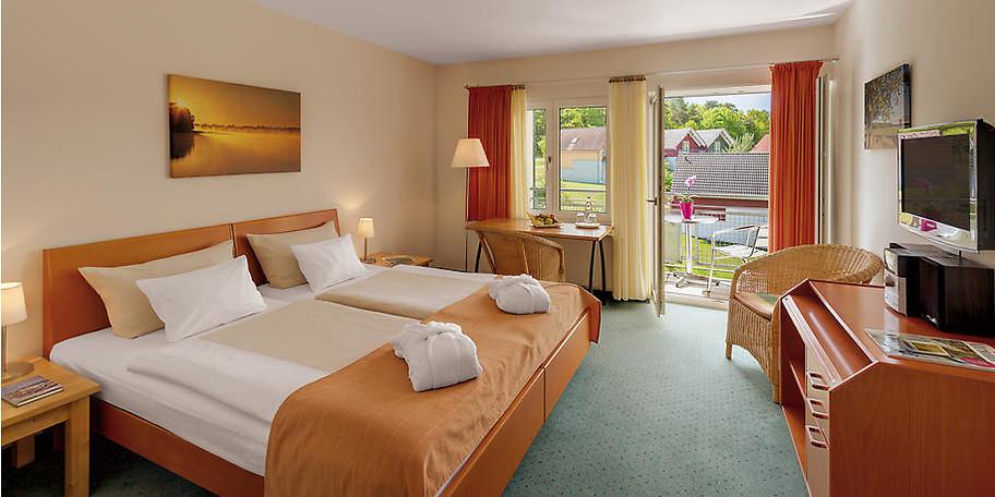 Wohnbeispiel eines Doppelzimmers im Precise Resort in Rheinsberg-Kleinzerlang