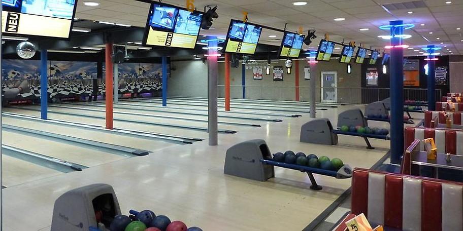 Gönnen Sie sich einen lustigen Abend mit Ihren Freunden bei XXL Bowling in Duisburg
