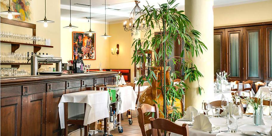 Die Einrichtung im toskanischem Stil schafft ein angenehmes Ambiente