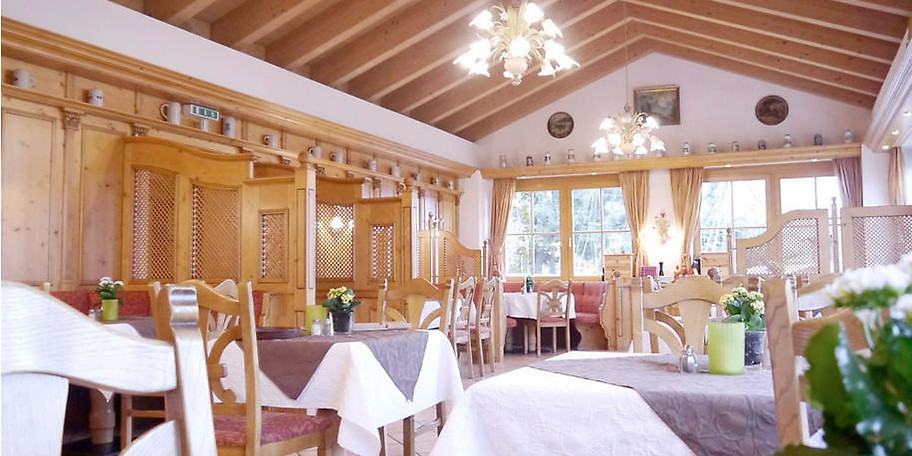 Genießen Sie die gemütliche Atmosphäre im Landgasthof Huber in Ambach am Starnberger See