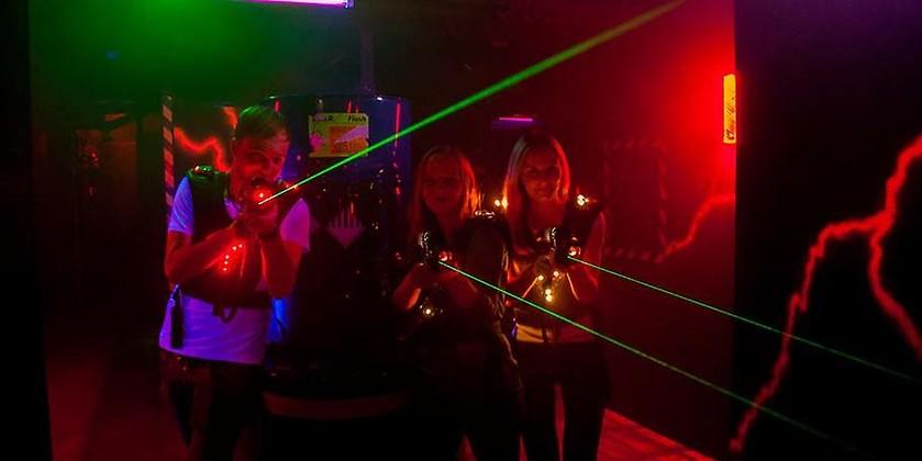 Gutschein für Action & Spaß beim Vorarlberger Lasertag-Pionier von LAZERfun im Fohren Center