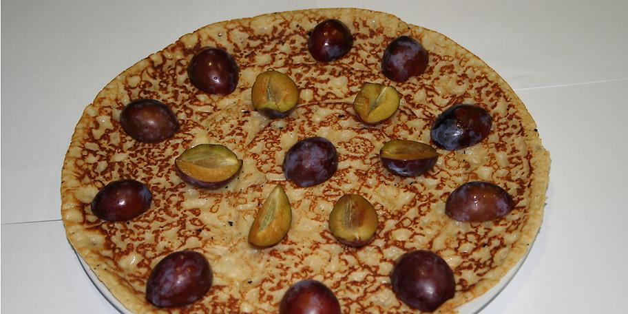 Genießen Sie köstliche Pflaumenpfannkuchen