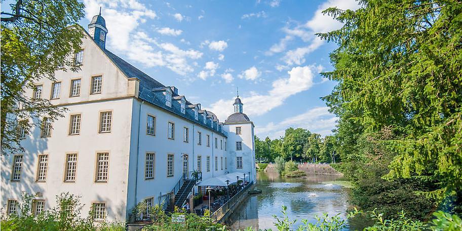 Schloss Borbeck wurde ursprünglich bereits im 13. Jahrhundert erbaut