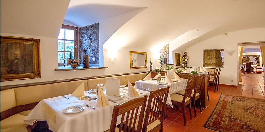 Genießen Sie traditionelle deutsche Küche im Restaurant Zur Münze in Essen