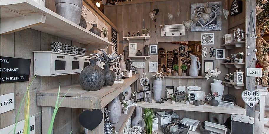Im schönen Bad Driburg, nur 20 Minuten von Paderborn entfernt, bieten wir Ihnen auf einer Ausstellungsfläche von 3.500 qm die Möglichkeit sich von der Qualität unserer Produkte zu überzeugen.