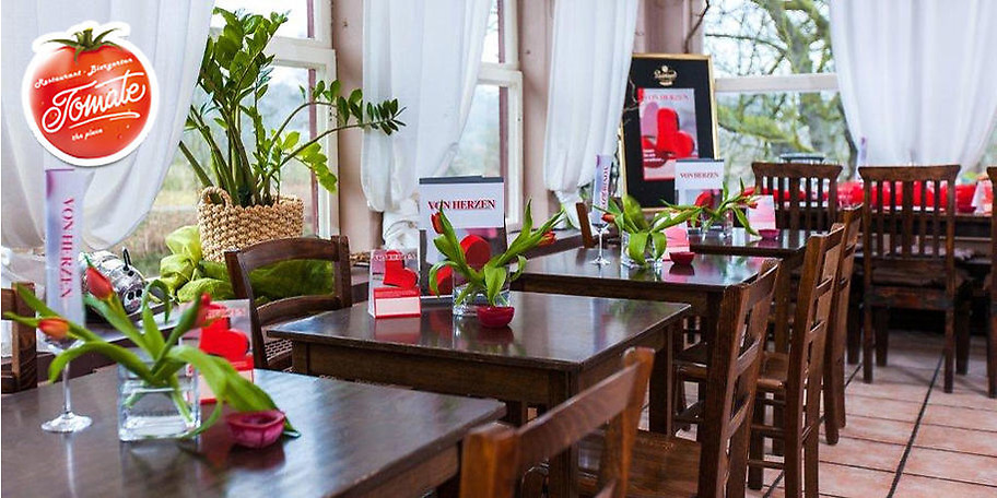 Der Innenbereich des Restaurants Tomate in Mülheim lädt zum Verweilen ein