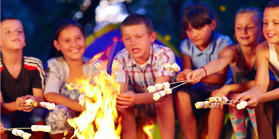 Wenn ihr möchtet, sind abends Lagerfeuer und Stockbrot angesagt